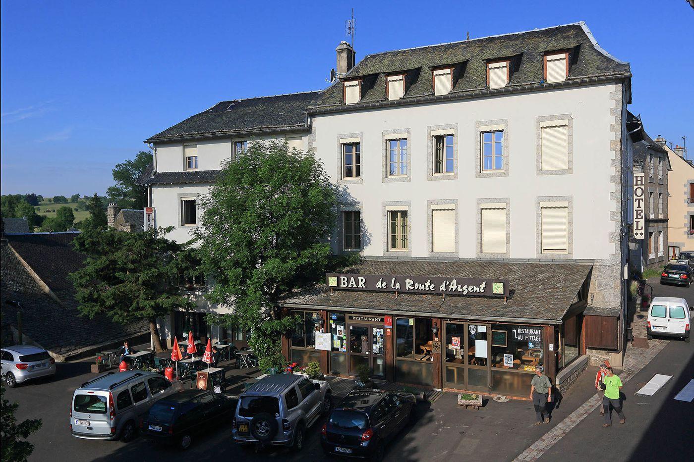 hotel-restaurant-nasbinals-aubrac-route-argent__03