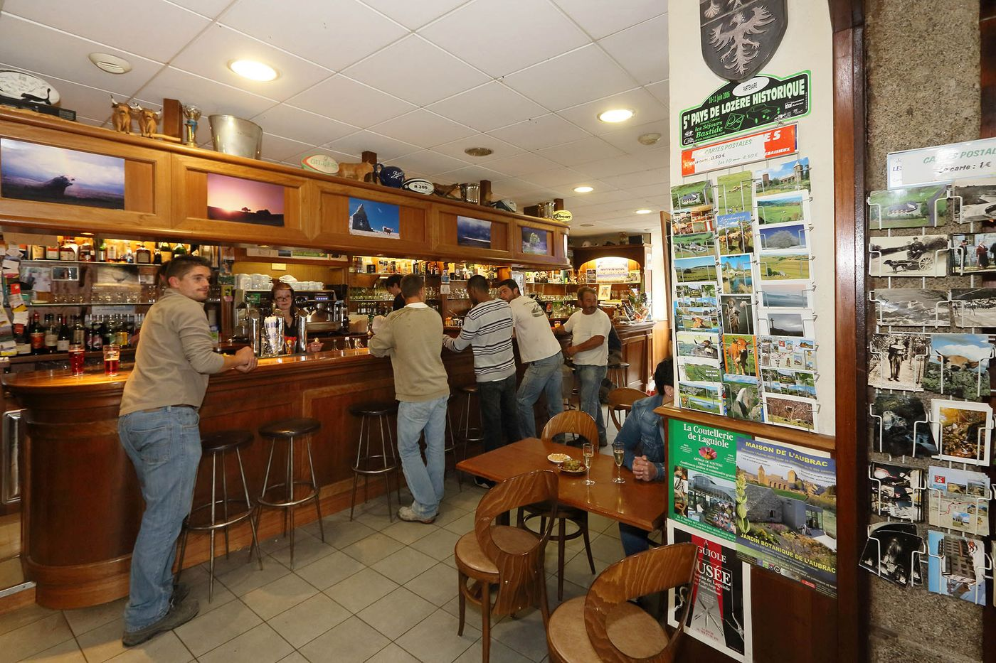 hotel-restaurant-nasbinals-aubrac-route-argent__04