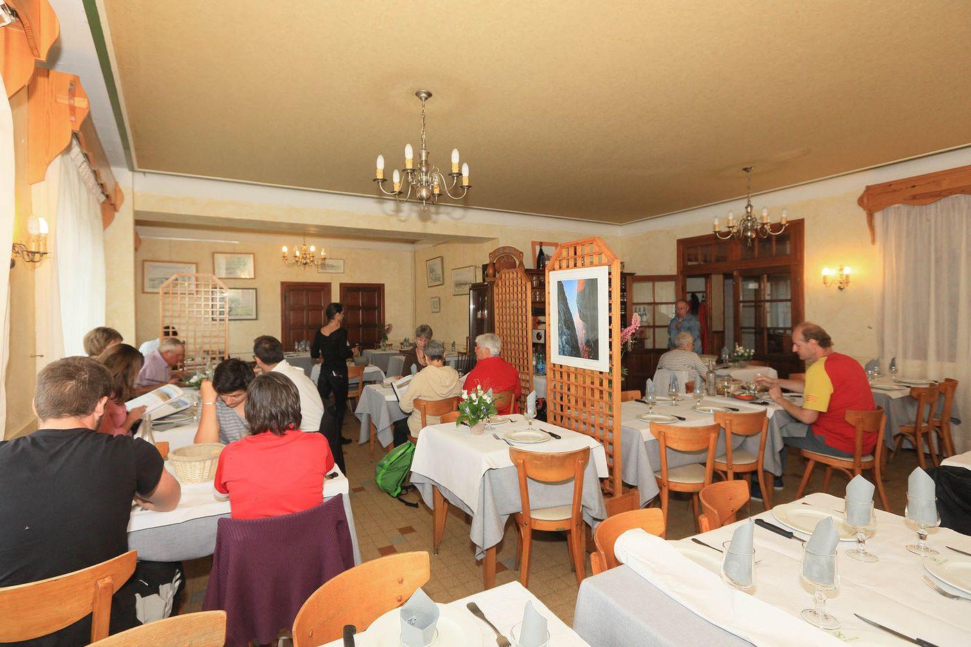 hotel-restaurant-nasbinals-aubrac-route-argent__15