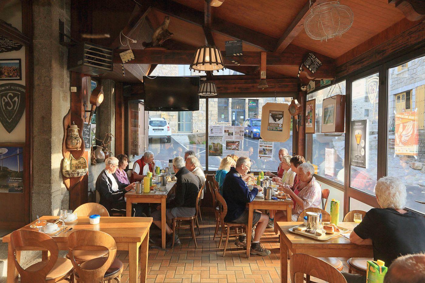 hotel-restaurant-nasbinals-aubrac-route-argent__25