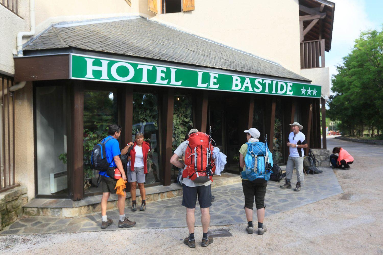 HOTEL-BASTIDE-aubrac-nasbinals_03