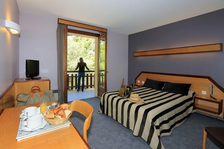 HOTEL-BASTIDE-aubrac-nasbinals_12