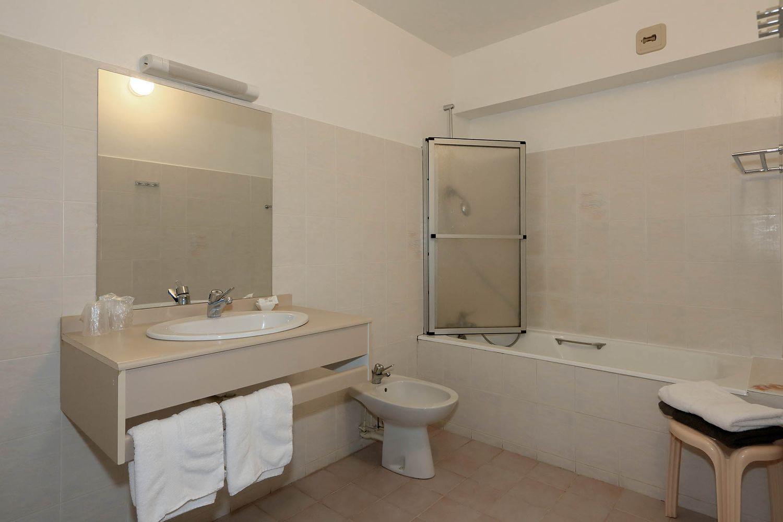 HOTEL-BASTIDE-aubrac-nasbinals_15