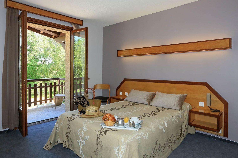 HOTEL-BASTIDE-aubrac-nasbinals_16