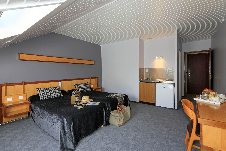 HOTEL-BASTIDE-aubrac-nasbinals_26